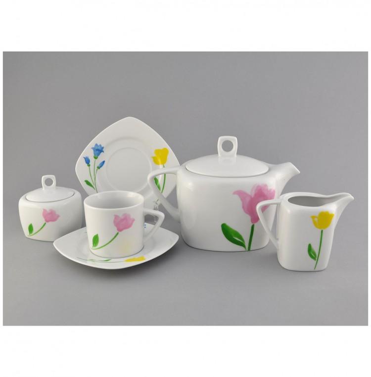 Чайный сервиз на 6 персон с цветочками